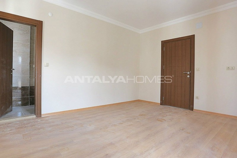 family-friendly-trabzon-property-with-large-social-area-interior-009.jpg
