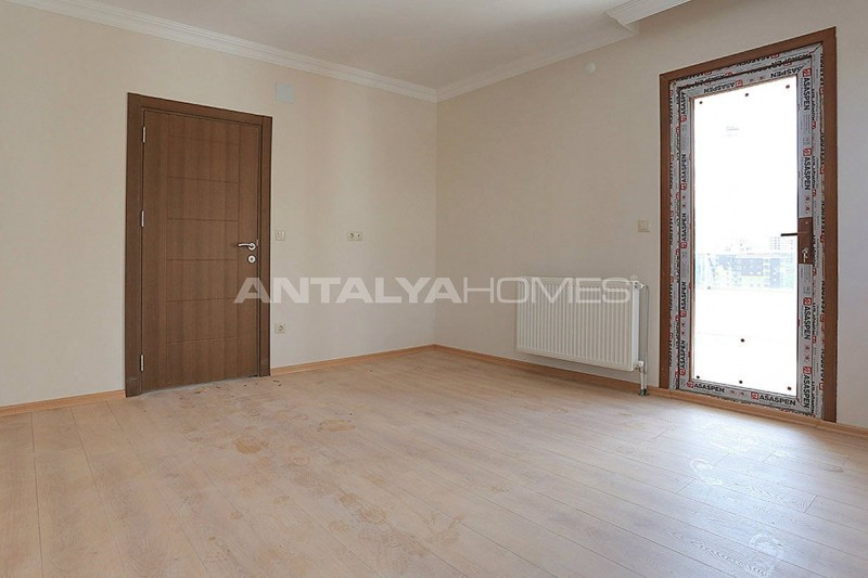 family-friendly-trabzon-property-with-large-social-area-interior-010.jpg