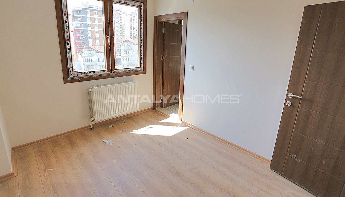 family-friendly-trabzon-property-with-large-social-area-interior-015.jpg