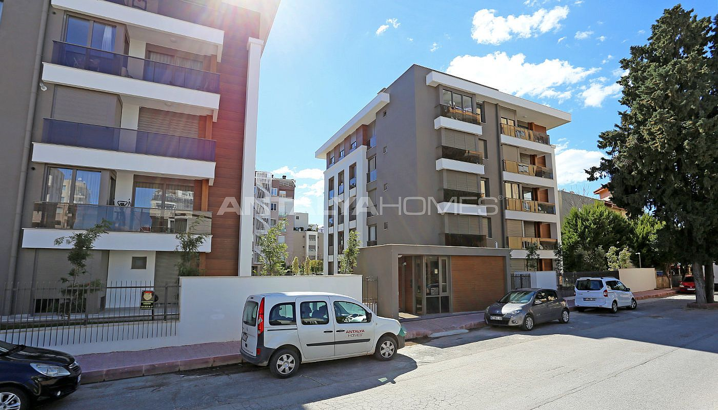 flats-with-separate-kitchen-in-guzeloba-neighborhood-001.jpg