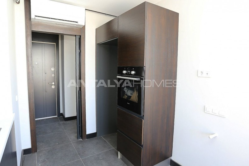 flats-with-separate-kitchen-in-guzeloba-neighborhood-interior-006.jpg