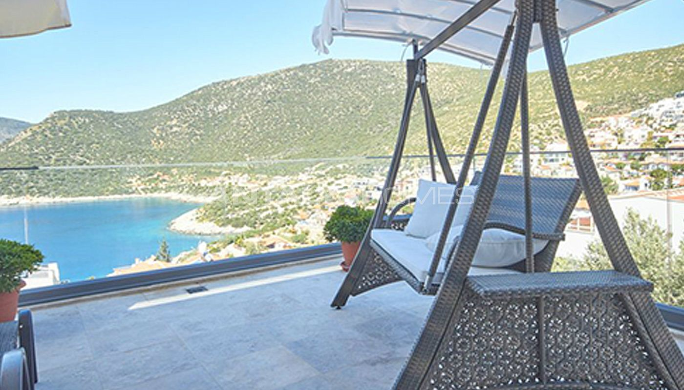 fully-furnished-kalkan-house-250-meter-to-the-beach-004.jpg