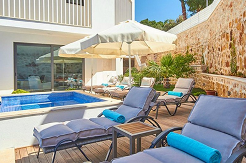 fully-furnished-kalkan-house-250-meter-to-the-beach-009.jpg