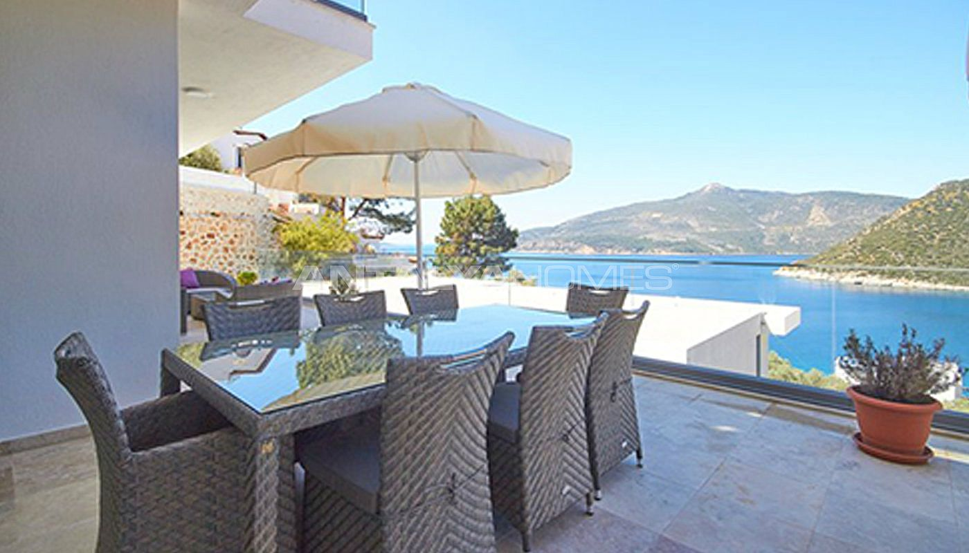 fully-furnished-kalkan-house-250-meter-to-the-beach-013.jpg