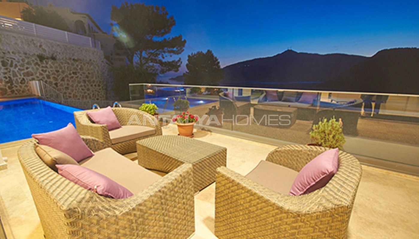 fully-furnished-kalkan-house-250-meter-to-the-beach-017.jpg