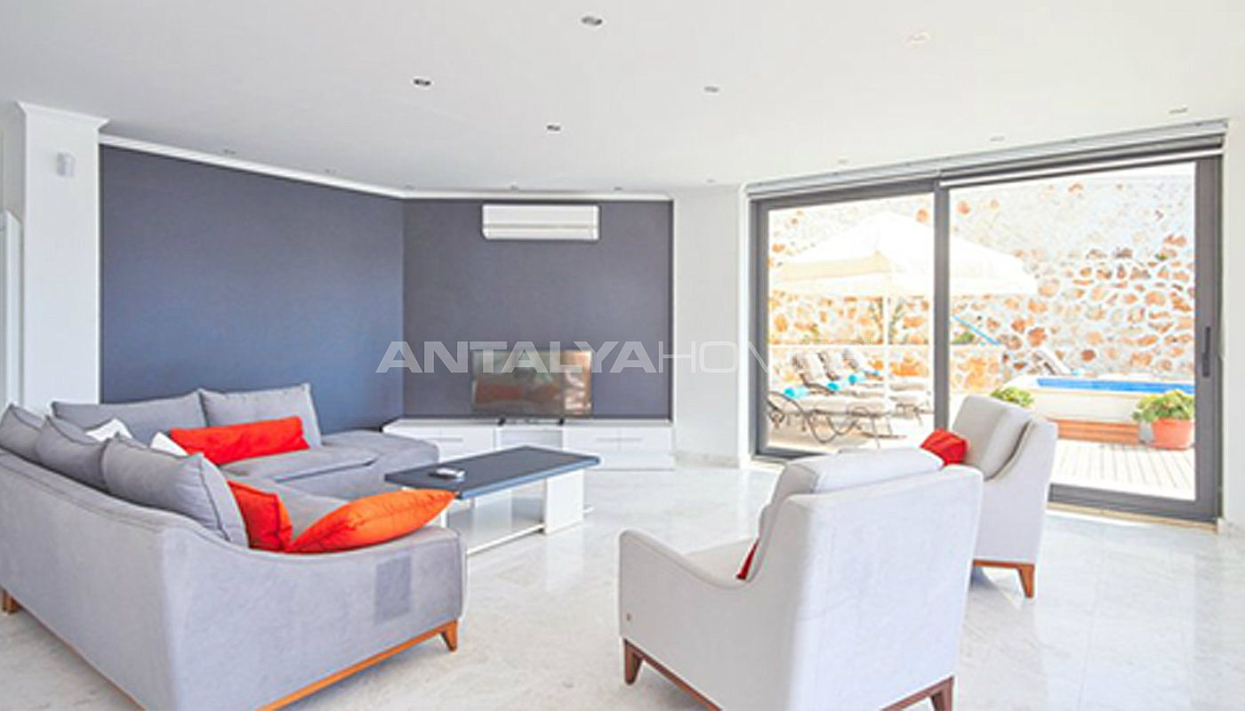 fully-furnished-kalkan-house-250-meter-to-the-beach-interior-002.jpg