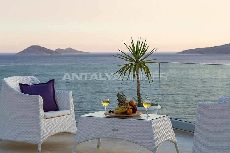 furnished-kalkan-real-estate-with-private-infinity-pool-03.jpg