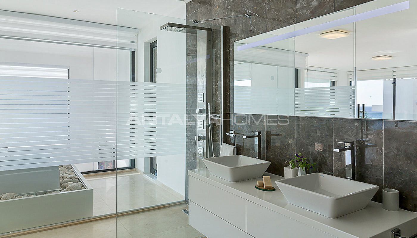 furnished-kalkan-real-estate-with-private-infinity-pool-interior-13.jpg