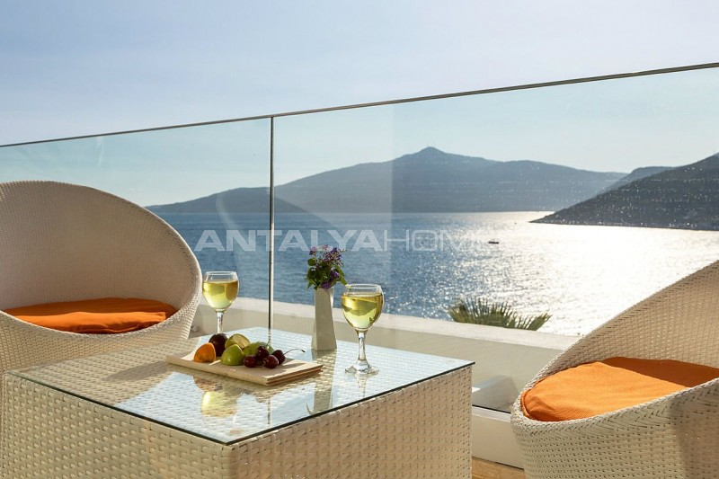 furnished-kalkan-real-estate-with-private-infinity-pool-interior-21.jpg