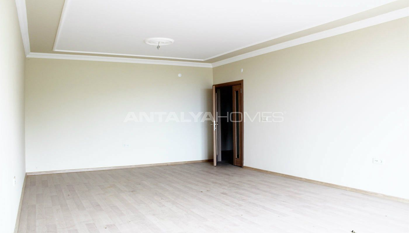 ready-to-move-property-in-trabzon-with-natural-gas-system-interior-003.jpg