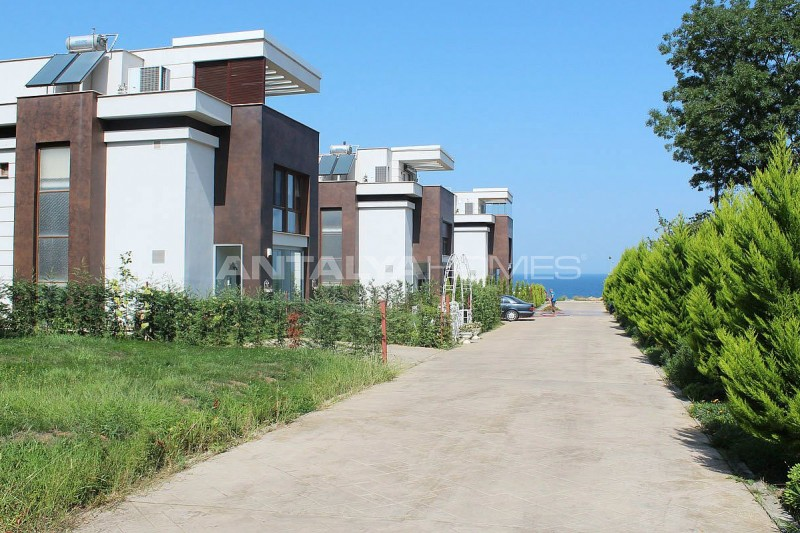 seafront-villa-in-trabzon-with-private-car-parking-006.jpg
