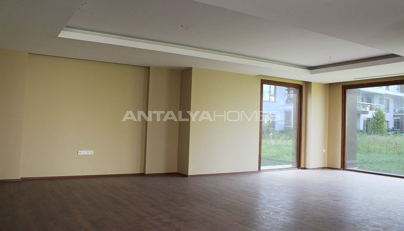 seafront-villa-in-trabzon-with-private-car-parking-interior-002.jpg