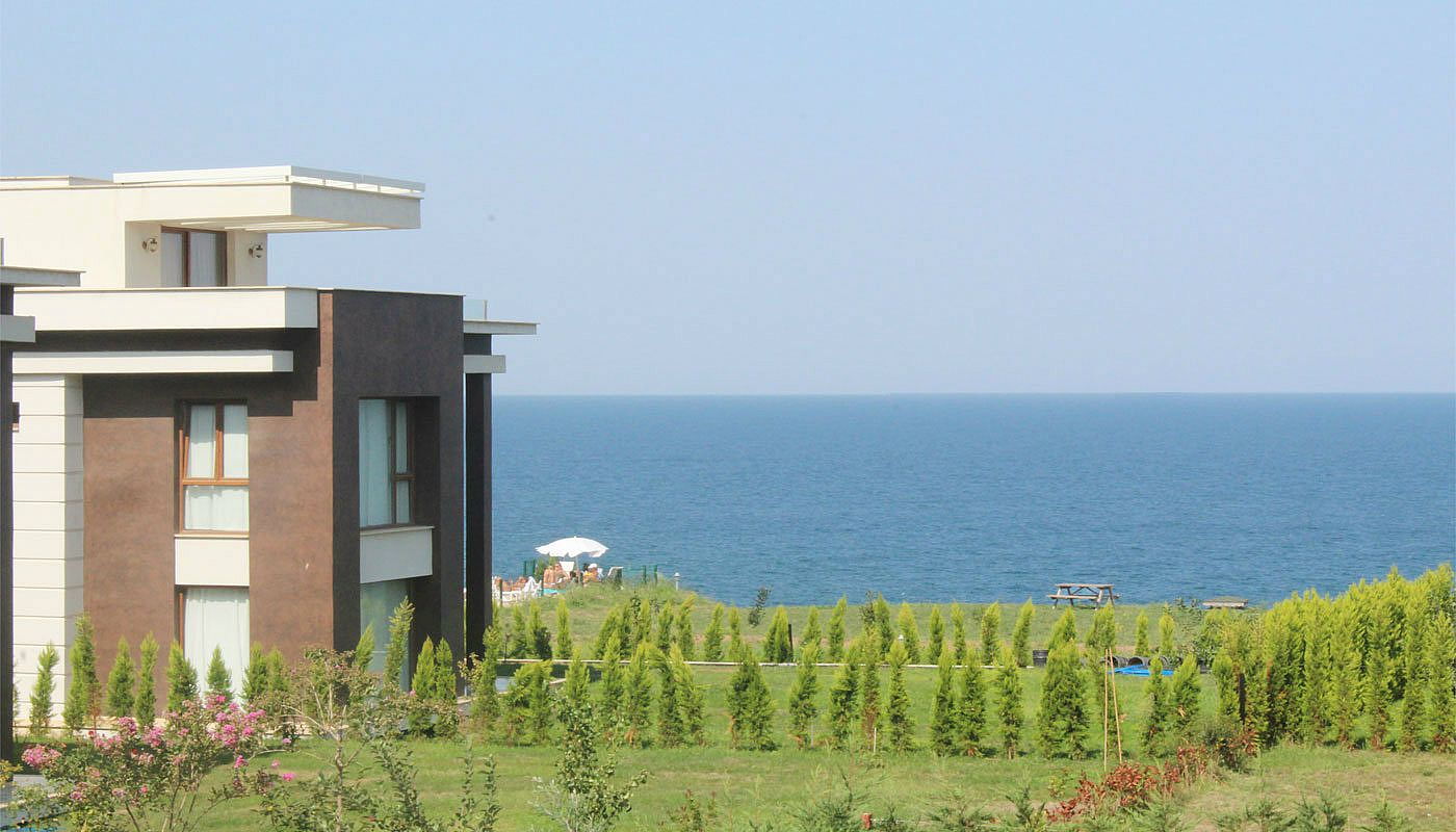 seafront-villa-in-trabzon-with-private-car-parking-main.jpg