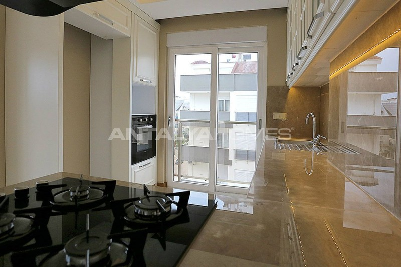 smart-apartments-in-a-popular-area-of-konyaalti-interior-06.jpg