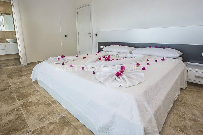state-of-the-art-villa-in-kalkan-with-unobstructed-sea-view-interior-13.jpg