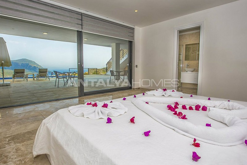 state-of-the-art-villa-in-kalkan-with-unobstructed-sea-view-interior-14.jpg