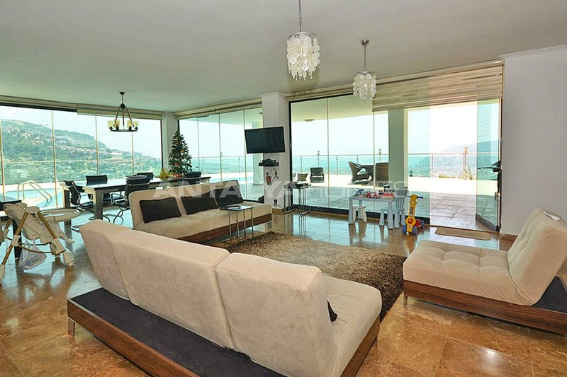 uninterrupted-sea-view-alanya-house-with-furniture-interior-001.jpg